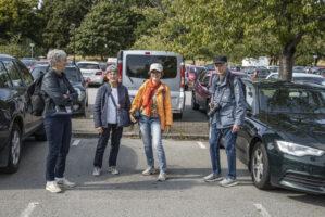Håller parkeringsplats för Tommy